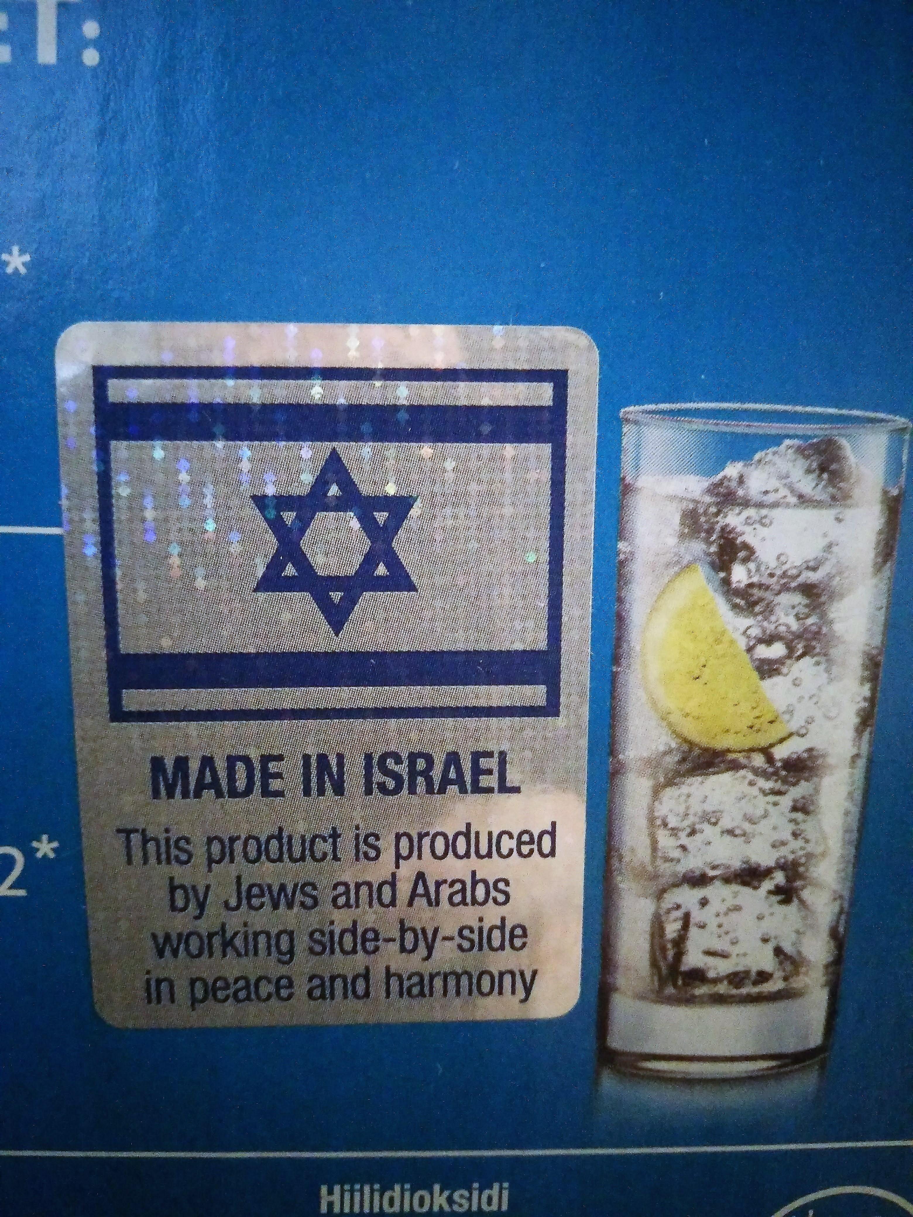 Così, en passant, un'etichetta di pace